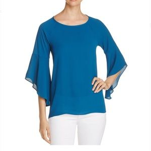 NWT Status by Chenault Womens Bell Sleeve Top